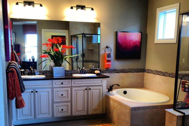 Large Master Bathrooms