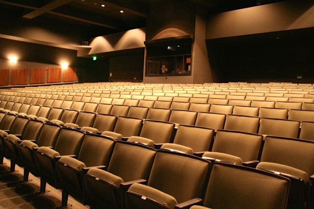 478 Seats in Performance Theater
