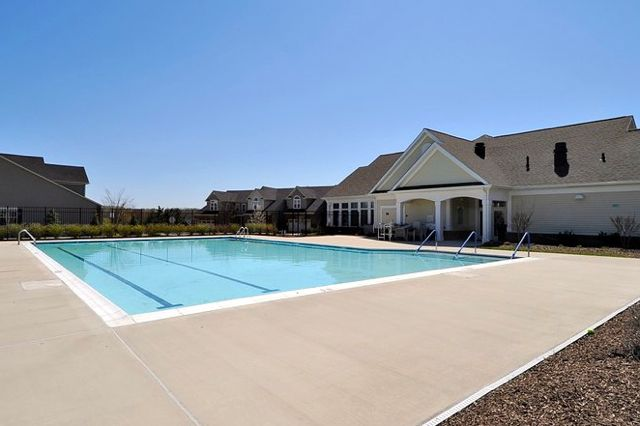 Clubhouse & Outdoor Pool