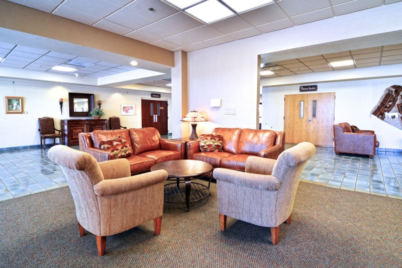Mountain Vista Complex Lounge