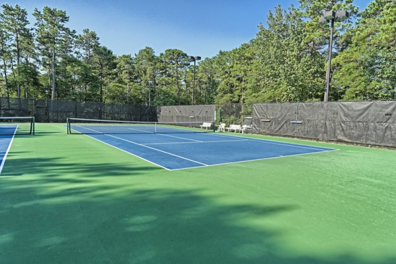 4 Tennis Courts