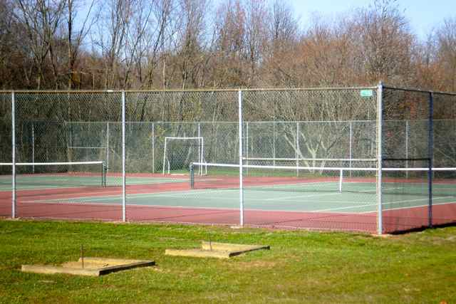 Tennis Courts and Horseshoe Pits