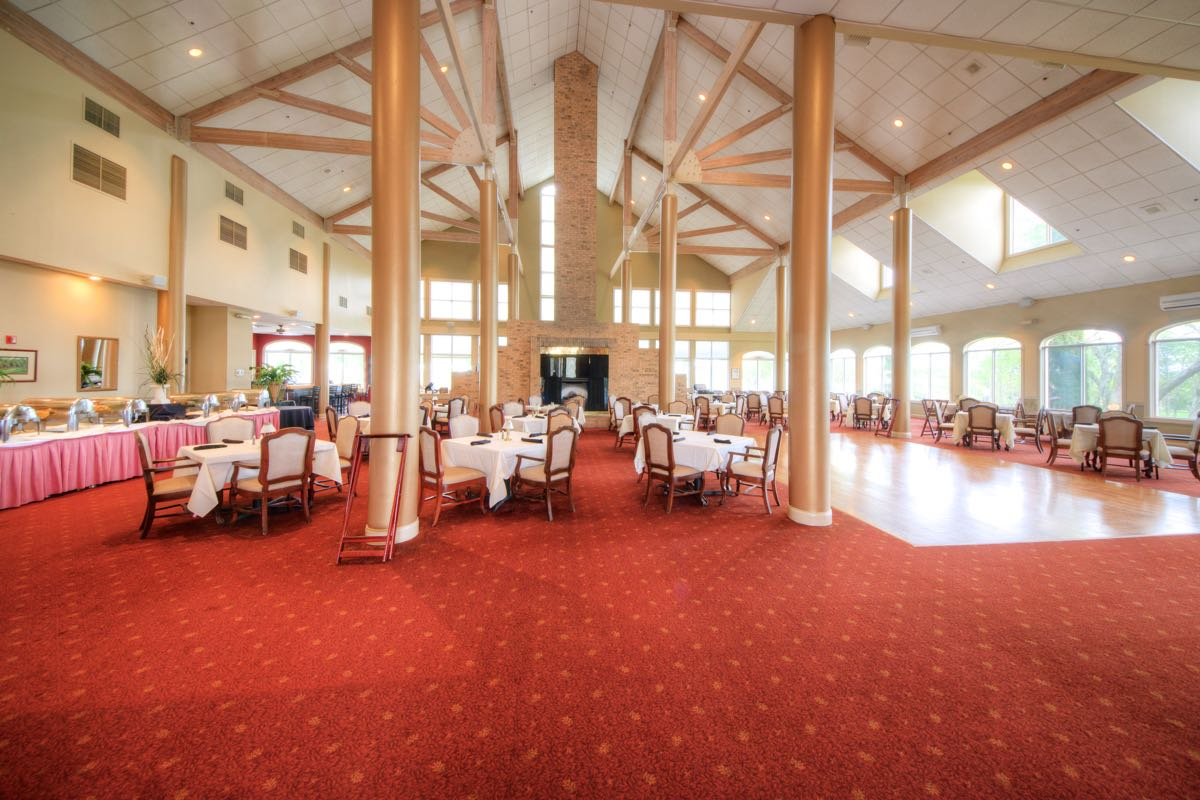 200-Seat Main Dining Room