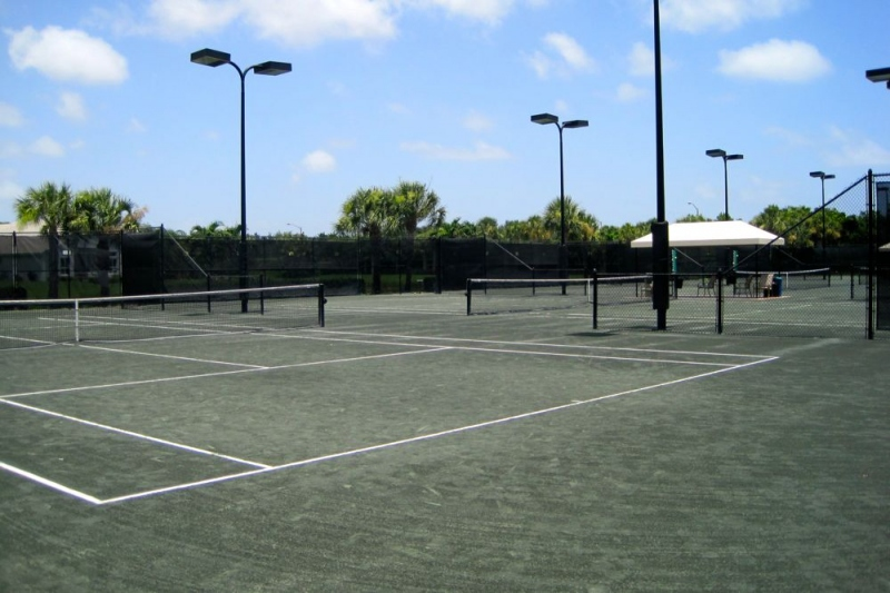 7 Tennis Courts