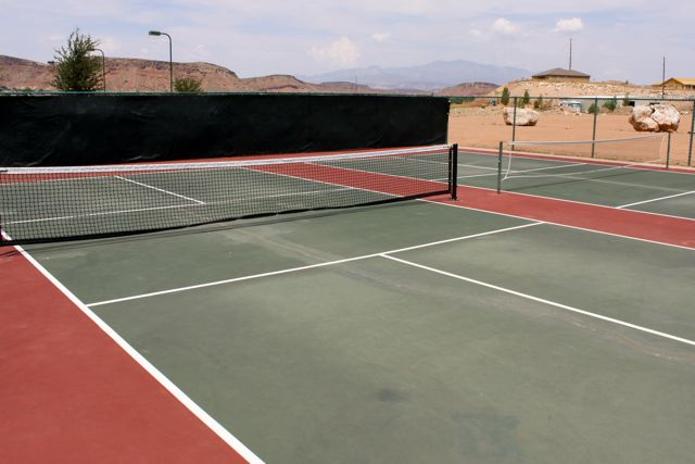 14 Pickleball Courts