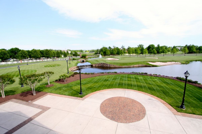 Scenic Ponds & 18-Hole Course
