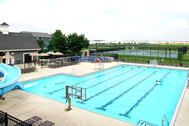Churchill Club Outdoor Pool