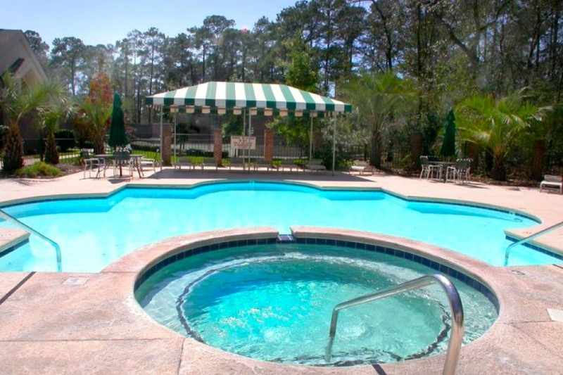 Oakridge Outdoor Pool & Spa