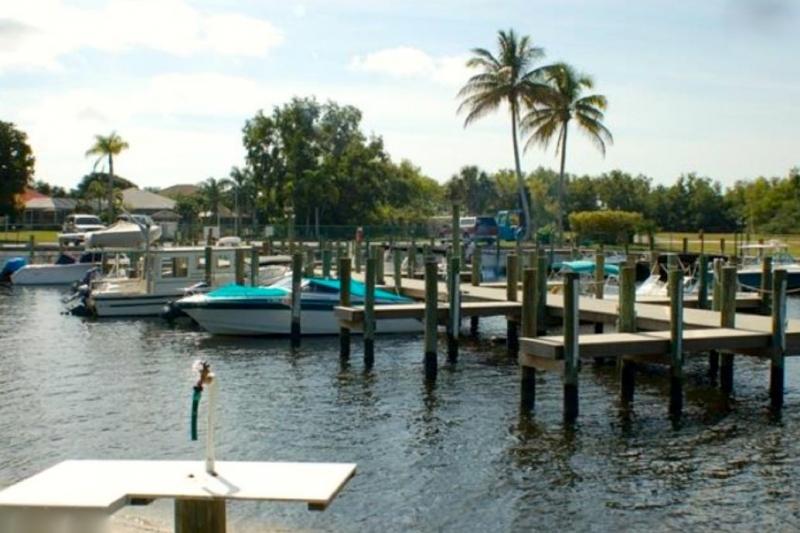 Waters Edge Fort Myers Fl 55places Com Retirement