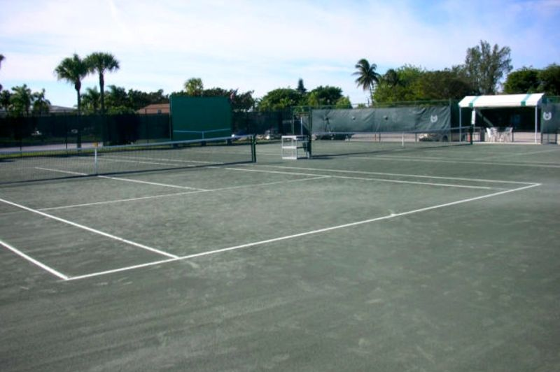 9 Tennis Courts