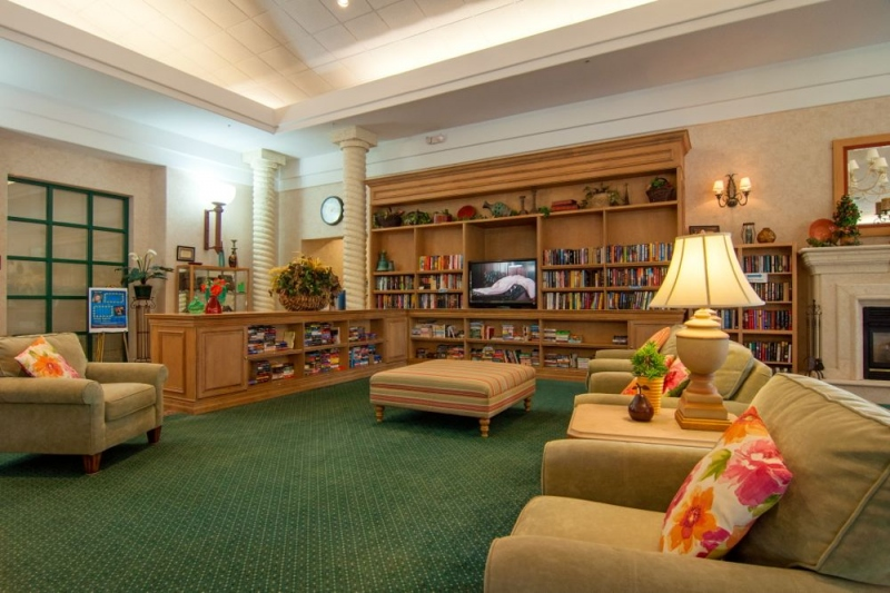Lounge & Library
