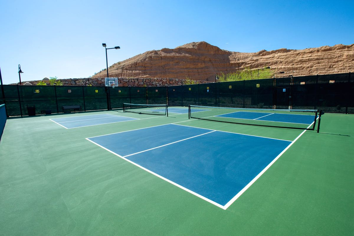 6 Pickleball Courts