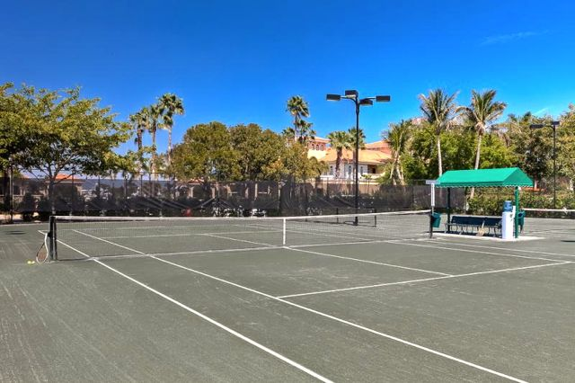 8 Lighted Hydro-Grid Tennis Courts