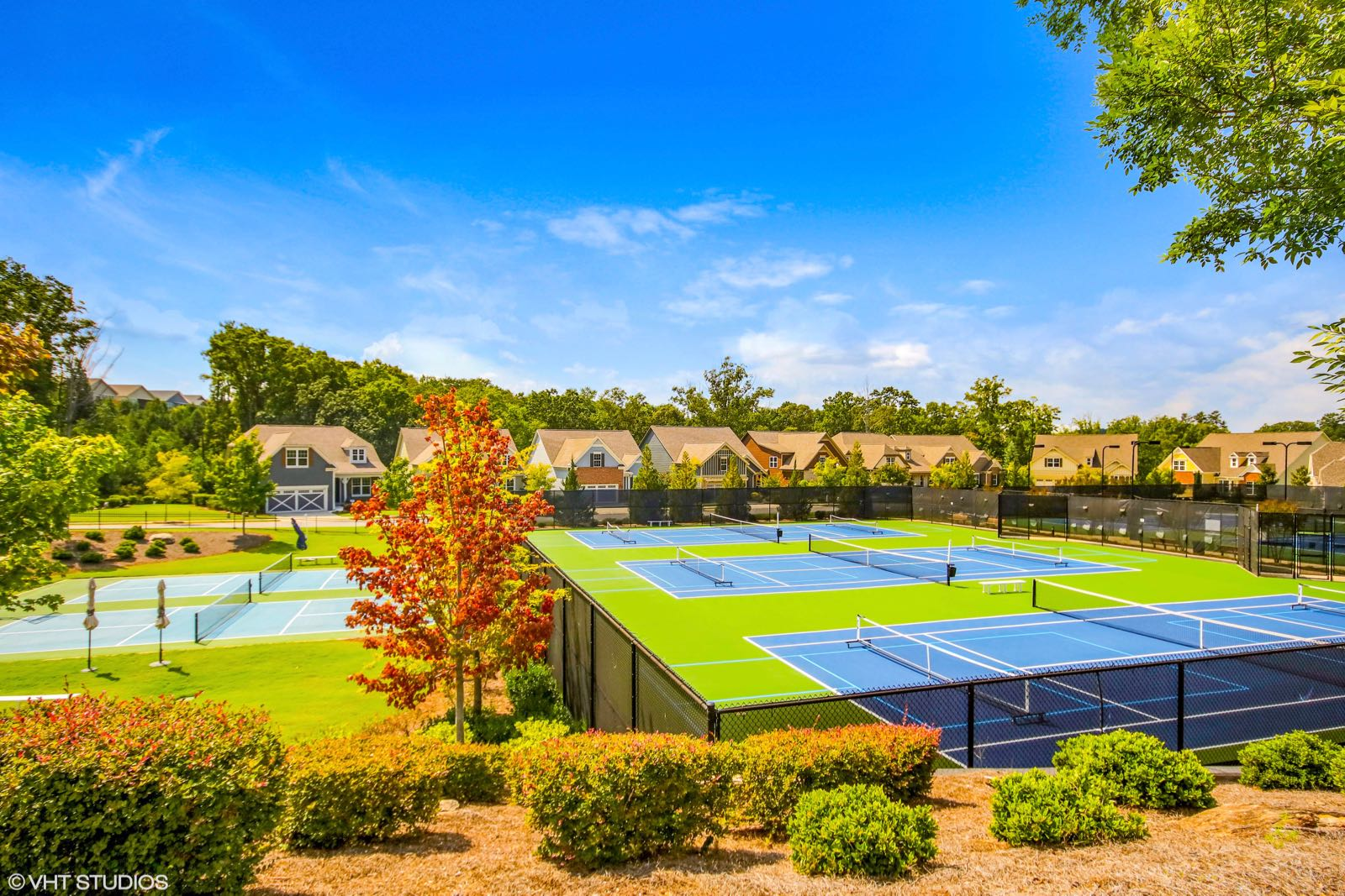 6 Tennis Courts & 2 Pickleball Courts