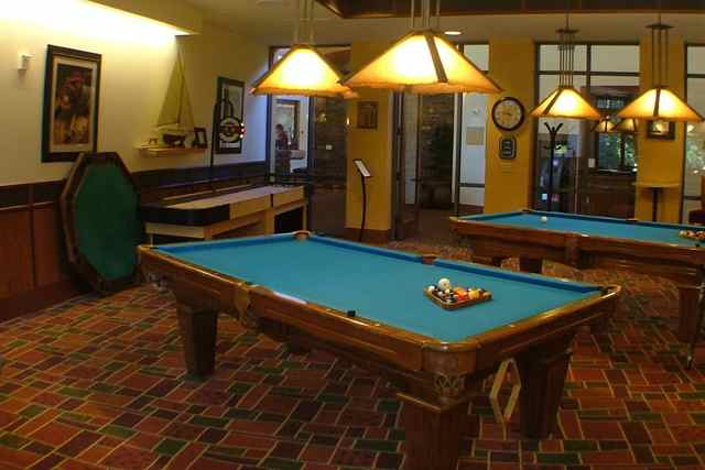 Billiards Den