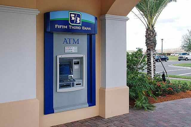 Community Bank and ATM at Town Center