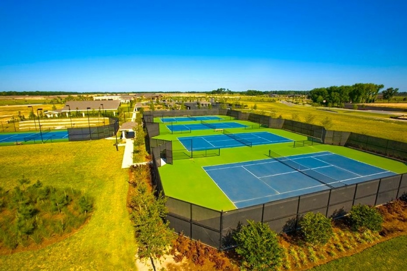 5 Tennis Courts